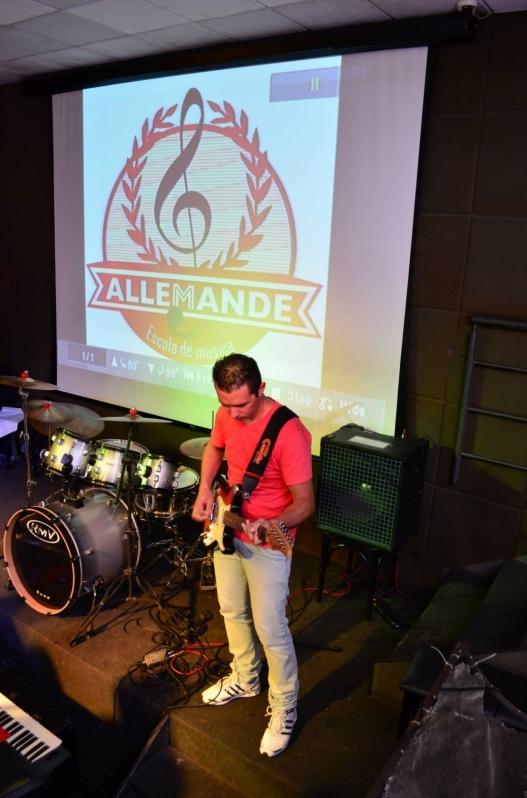 Escola de Aula de Guitarra Profissional no Tremembé - Quanto Custa Aula de Guitarra