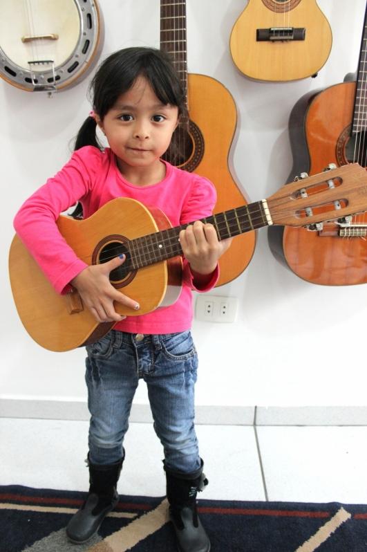 Escola de Guitarra Preço na Vila Medeiros - Aula de Guitarra na Zona Norte