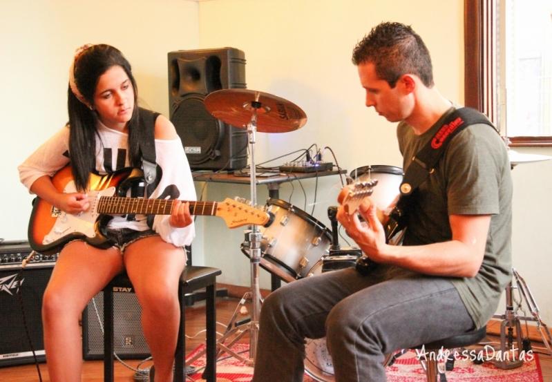 Escola de Guitarra Qual o Preço na Vila Guilherme - Escola de Guitarra