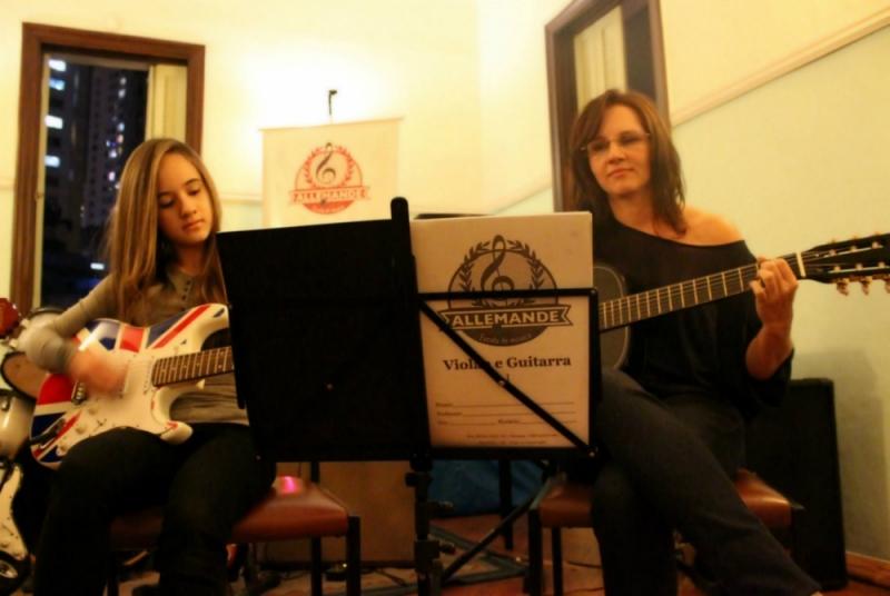 Escola de Violão Onde Encontrar no Tucuruvi - Quanto Custa Aula de Violão