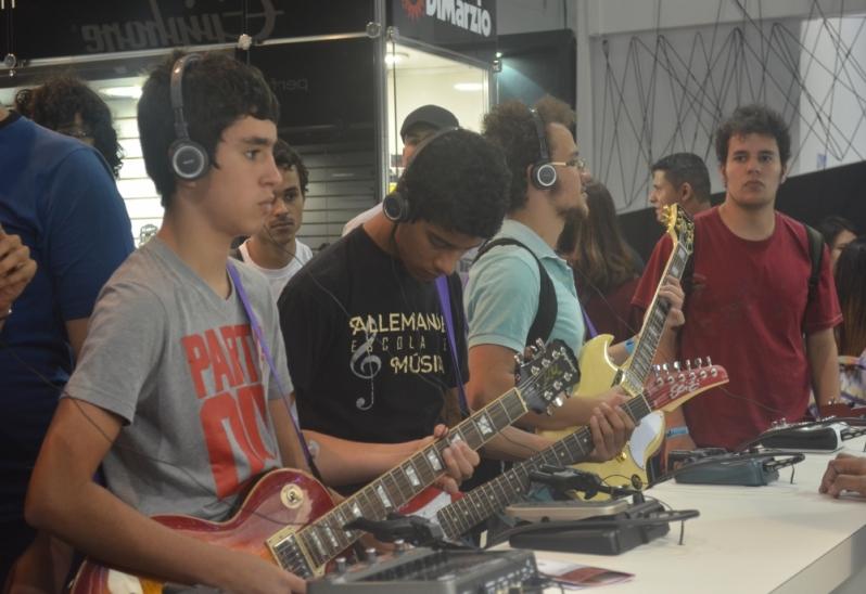 Escola para Aula Guitarra Onde Achar no Mandaqui - Aula de Guitarra no Carandiru
