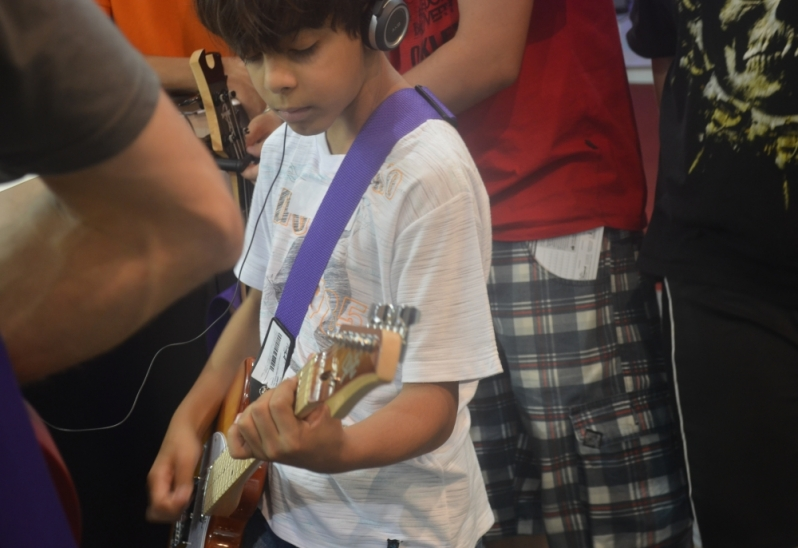 Escola para Aula Guitarra Onde Encontrar em Jaçanã - Aula de Guitarra no Carandiru