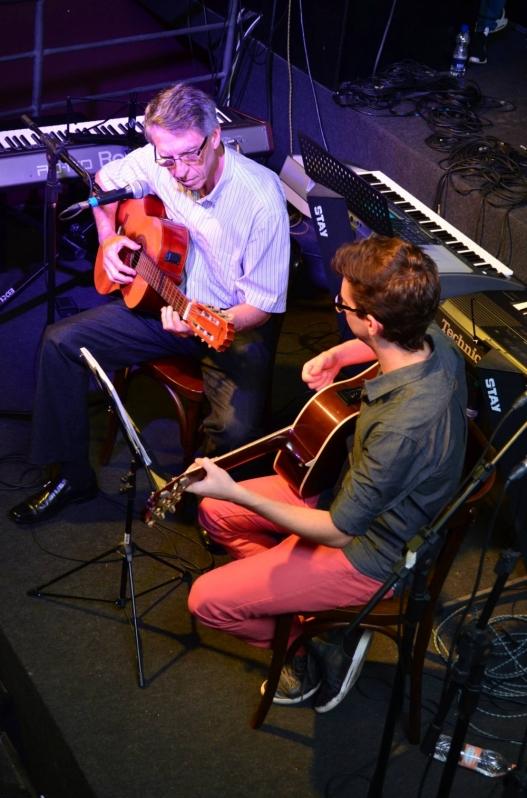 Onde Achar Escola para Dar Aula de Guitarra Profissional na Vila Guilherme - Quanto Custa Aula de Guitarra