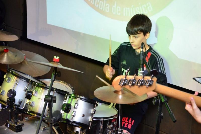 Onde Achar uma Escola para Aula de Bateria no Jaçanã - Curso de Bateria Preço
