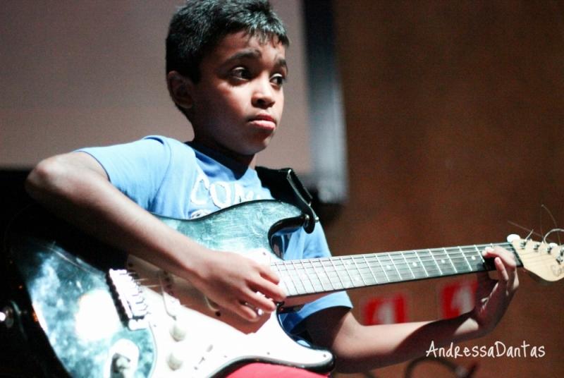 Onde Achar uma Escola para Dar Aula de Guitarra Profissional na Vila Guilherme - Quanto Custa Aula de Guitarra