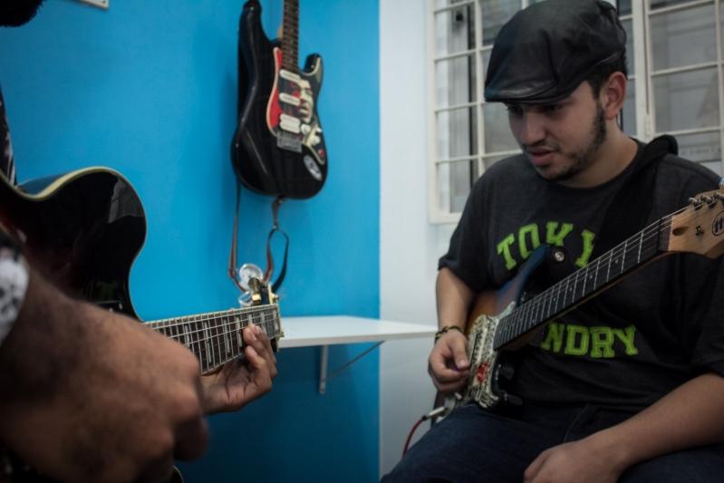Onde Encontrar Aula de Guitarra em Cachoeirinha - Aula de Guitarra em Santana