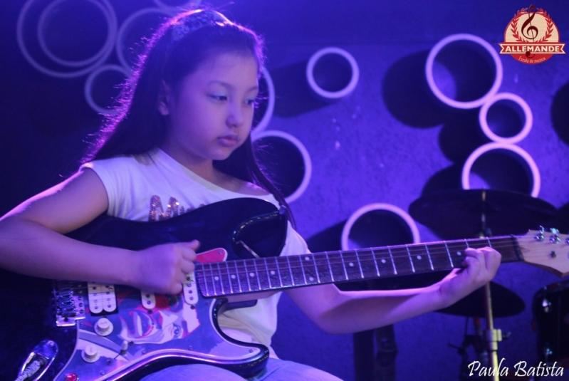 Onde Encontrar Aula de Guitarra Profissional no Tremembé - Quanto Custa Aula de Guitarra