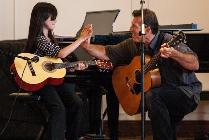 Onde Encontrar Escola de Violão Infantil Santana - Escola de Violão com Coral Infantil