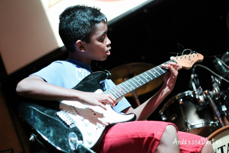 Onde Encontrar uma Escola para Dar Aula de Guitarra Profissional em Brasilândia - Quanto Custa Aula de Guitarra