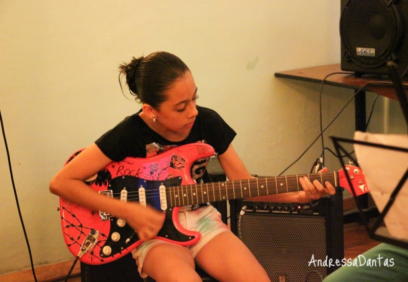 Onde Tem Aulas de Guitarra na Vila Medeiros - Escola de Guitarra SP