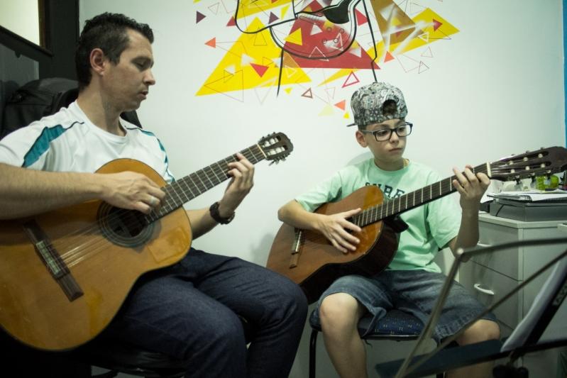 Onde Tem uma Aula de Violão  no Tucuruvi - Aula de Violãoem Santana