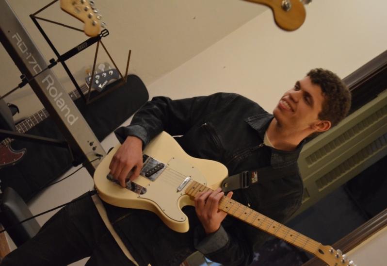 Onde Tem uma Escola para Aula Guitarra em Brasilândia - Aula de Guitarra no Carandiru