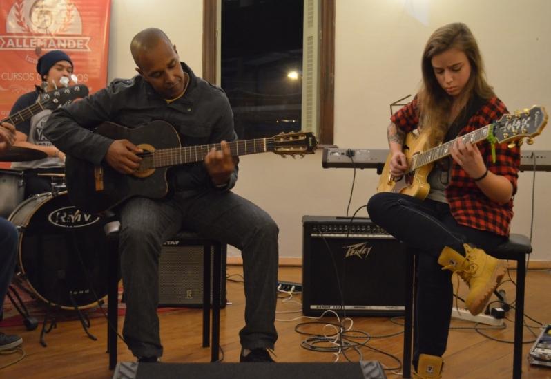 Qual o Preço de uma Aula Guitarra em Brasilândia - Aula de Guitarra