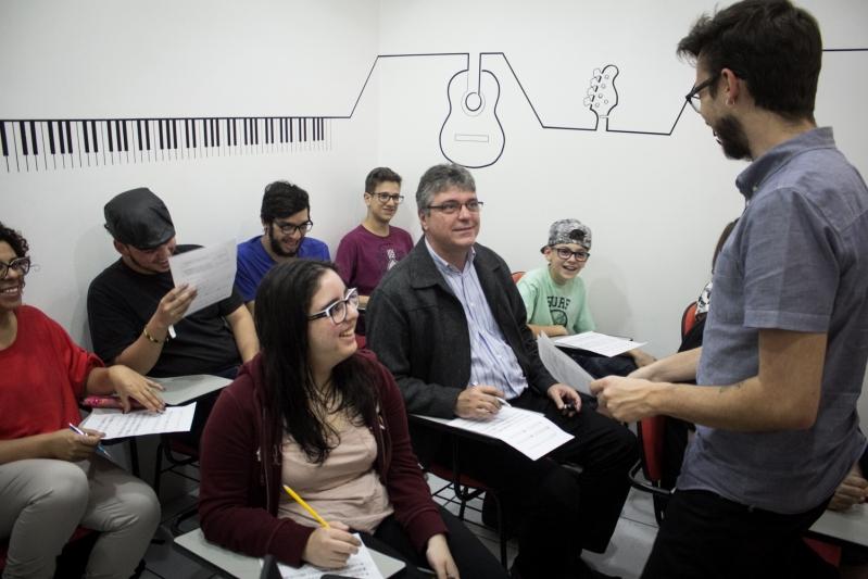 Qual o Preço de uma Escola de Musica  no Tremembé - Escola de Musicas