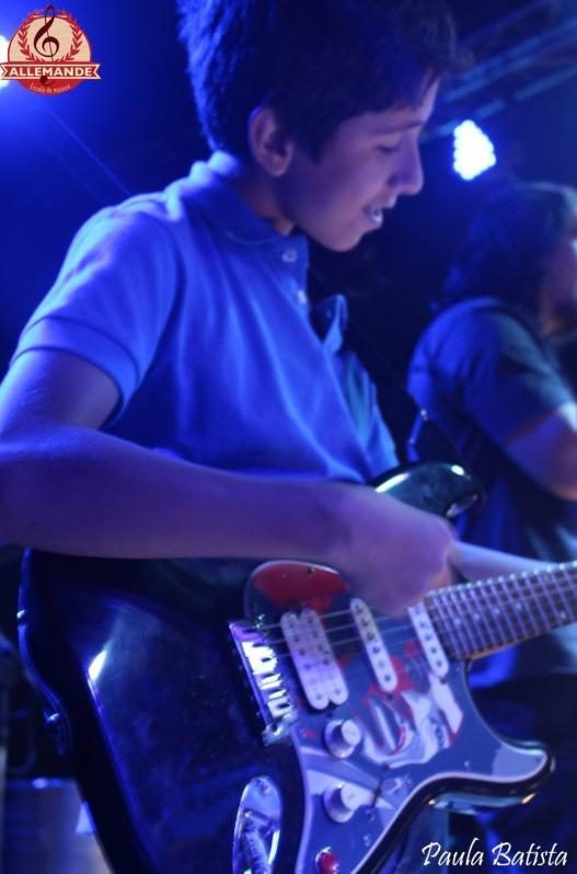 Qual o Valor de Aula de Guitarra Profissional no Mandaqui - Quanto Custa Aula de Guitarra