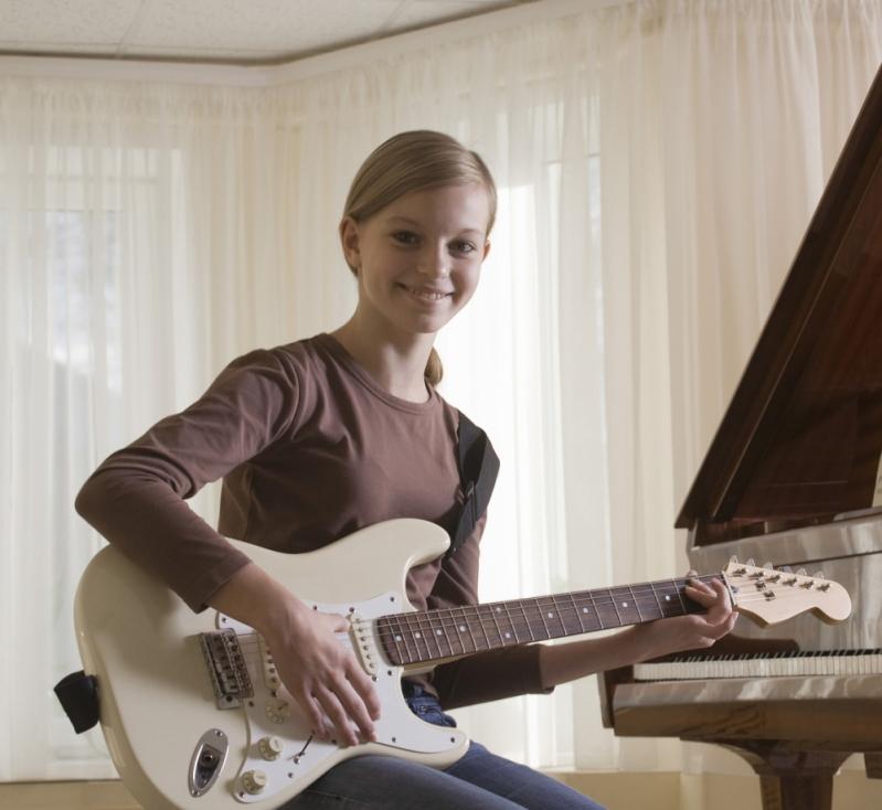 Qual Valor de uma Aula de Guitarra em Cachoeirinha - Aula de Guitarra em Santana