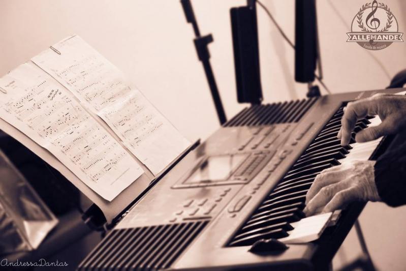 Quanto Custa uma Aula de Piano Clássico em Brasilândia - Aula de Piano Preço