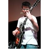 Aula de guitarra profissional em Santana