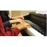 Aula de piano clássico na Vila Guilherme