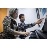 Aula de piano na Vila Guilherme