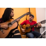 Aula de violão  na Casa Verde