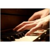 Aula de piano no Carandiru