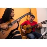 Aula de violãoem Santana