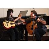 aula de violão para adolescente