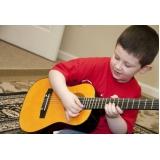 escola de violão para crianças pequenas