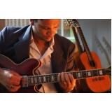 musicalização infantil com instrumento Santana