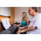 Onde achar uma Aula de teclado avançado em Santana