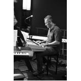 Preço de uma Aula de teclado escalas em Santana