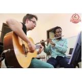 Qual escola tem Aulas de violão na Vila Gustavo