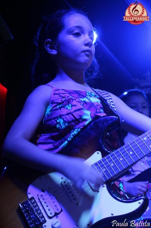 Valor Aula de Guitarra Profissional em Cachoeirinha - Quanto Custa Aula de Guitarra