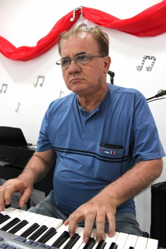 Valor de uma Aula de Piano Intermediário na Vila Medeiros - Aula de Piano Preço